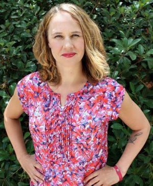 Amber Roshay is a freelance writer for hire. She specializes in SEO blog posts, copywriting, editing, Pinterest management, and curriculum development